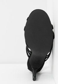 co wren - High heeled sandals - black - 6