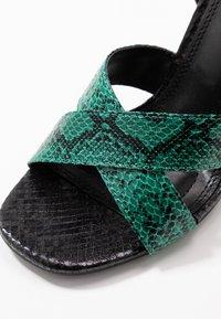 co wren - Sandály na vysokém podpatku - green - 2