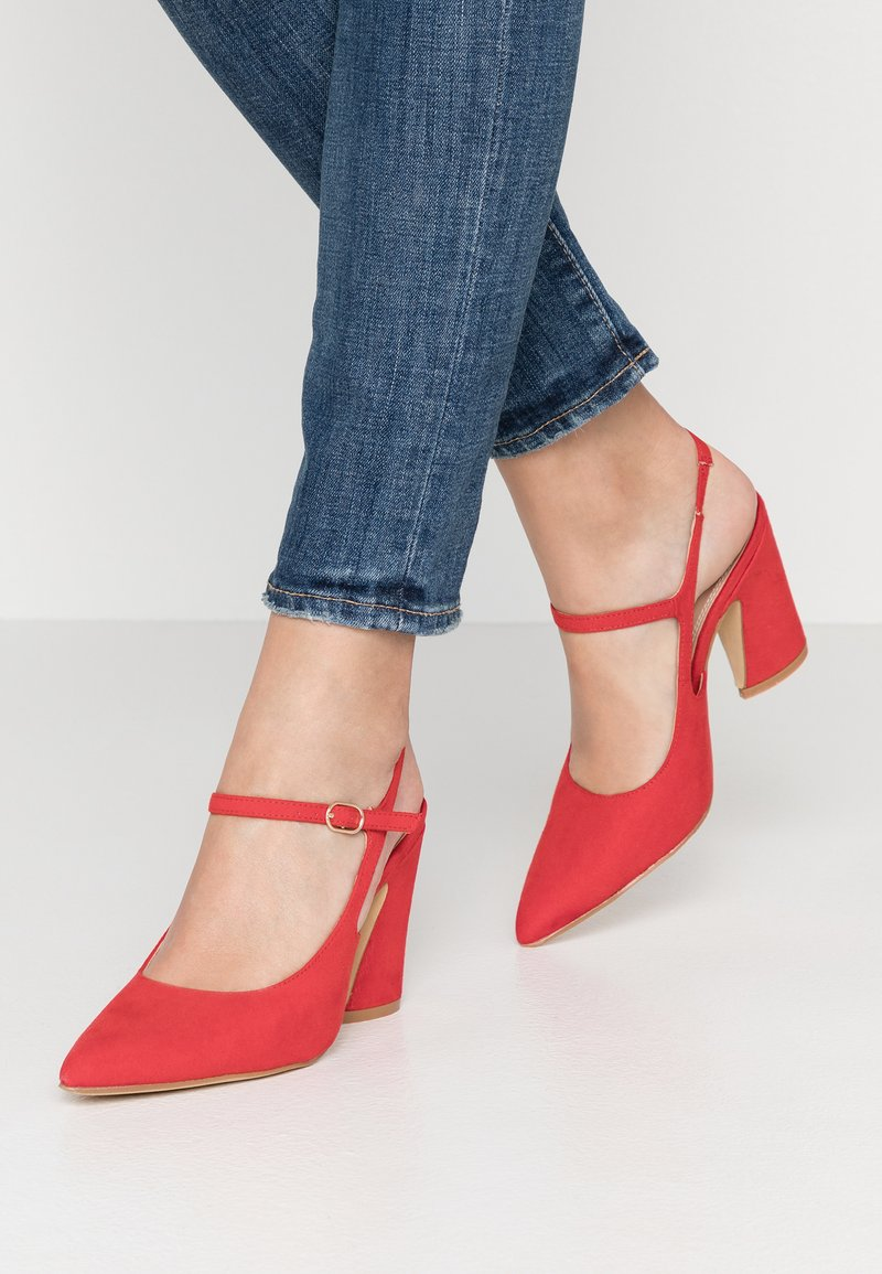 co wren - High Heel Pumps - red
