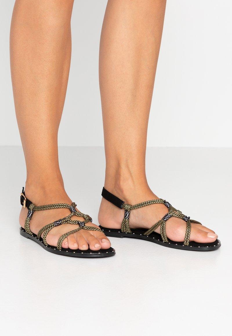 co wren wide fit - Sandals - black/gold