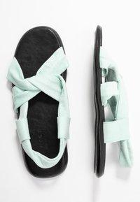 co wren wide fit - Sandals - green - 3