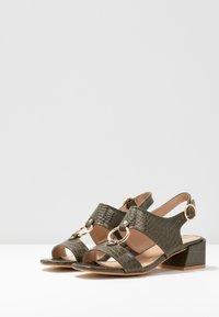 co wren wide fit - Sandals - green - 4