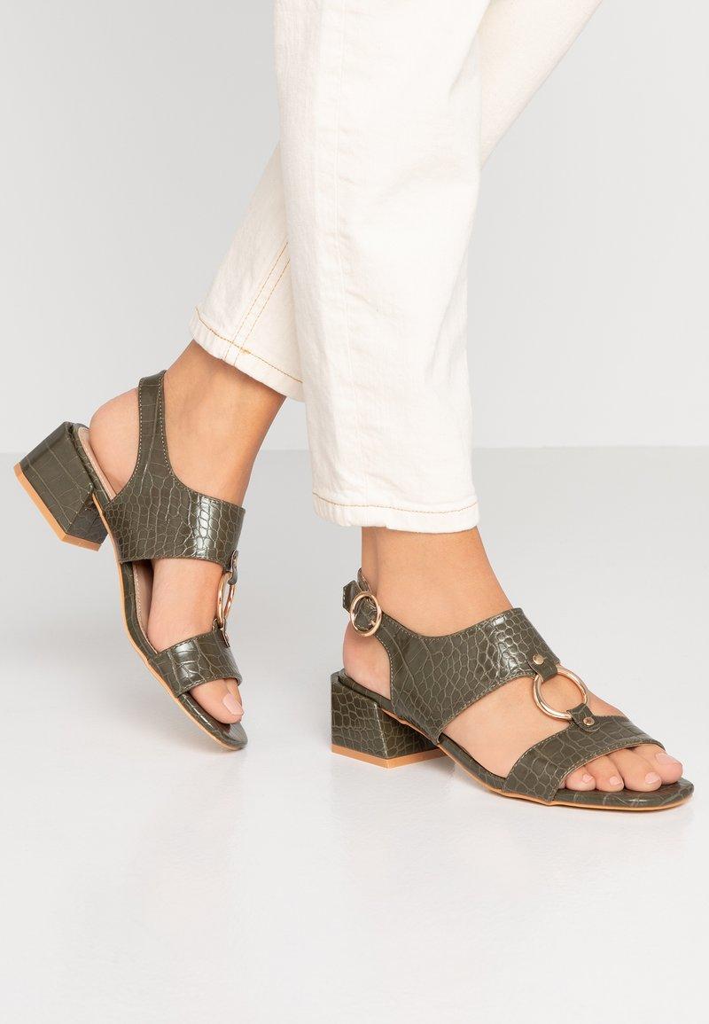 co wren wide fit - Sandals - green