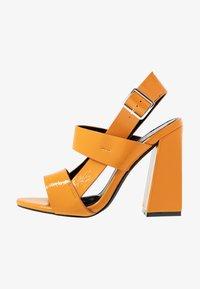 co wren wide fit - Sandály na vysokém podpatku - mustard - 1