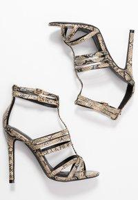 co wren wide fit - Sandály na vysokém podpatku - beige - 3