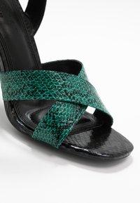 co wren wide fit - Sandály na vysokém podpatku - green - 2