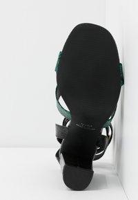 co wren wide fit - Sandály na vysokém podpatku - green - 6