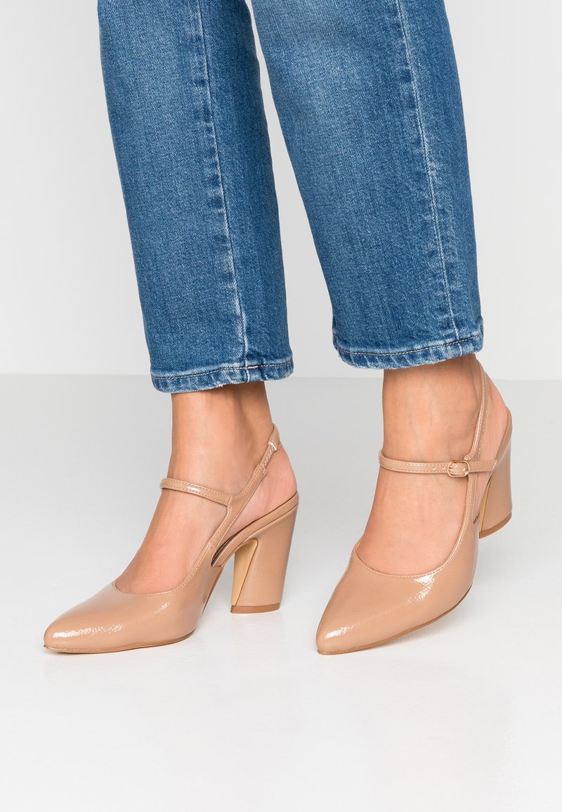co wren wide fit - Klassiska pumps - nude
