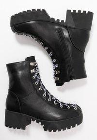 co wren wide fit - WIDE FIT - Platform ankle boots - black - 3