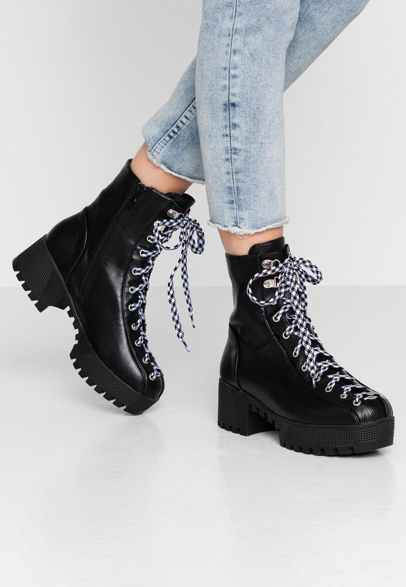 co wren wide fit - WIDE FIT - Platform ankle boots - black