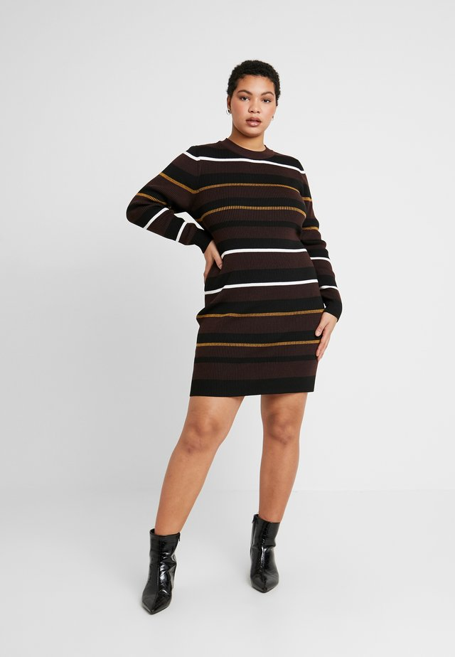 TAHNEE TRUE MINI DRESS - Jumper dress - lottie cherry mahogony