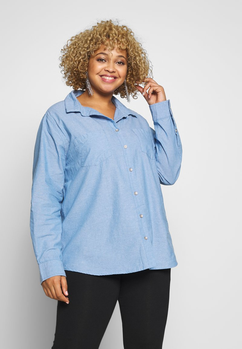 Cotton On Curve - LUCY - Button-down blouse - light blue wash
