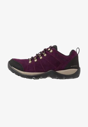 FIRE VENTURE S II WP - Hiking shoes - black cherry/wet sand