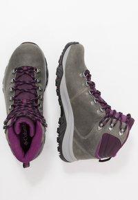 Columbia - 100MW TITANIUM OUTDRY - Hiking shoes - ti grey steel/black cherry - 1