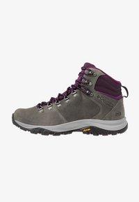 Columbia - 100MW TITANIUM OUTDRY - Hiking shoes - ti grey steel/black cherry - 0