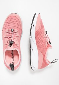 Columbia - VENT - Hiking shoes - canyon rose/black - 1