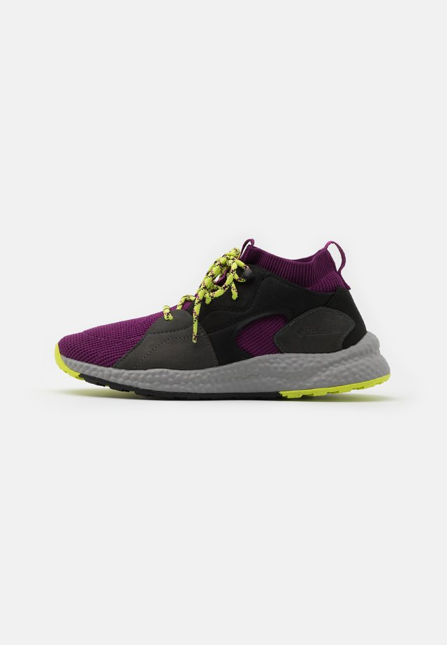 SH/FTOUTDRYMID - Hiking shoes - wild iris/voltage
