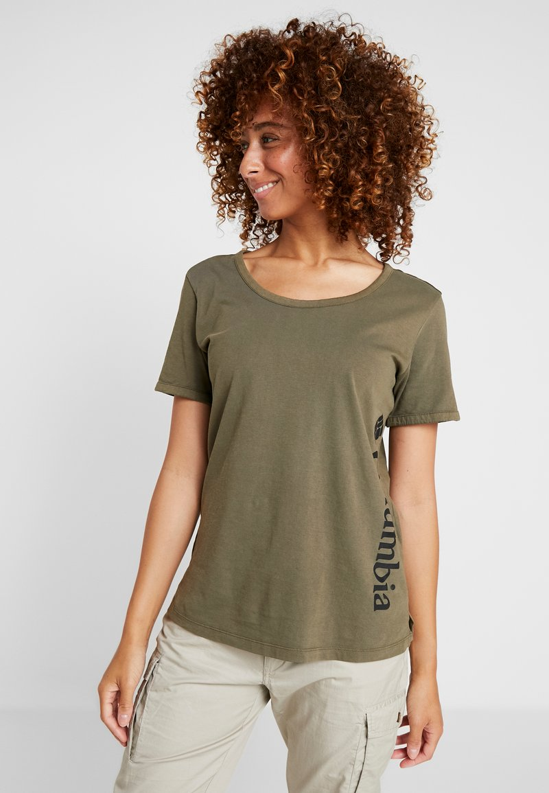 Columbia - CSC™ PIGMENT TEE - T-shirt print - olive green