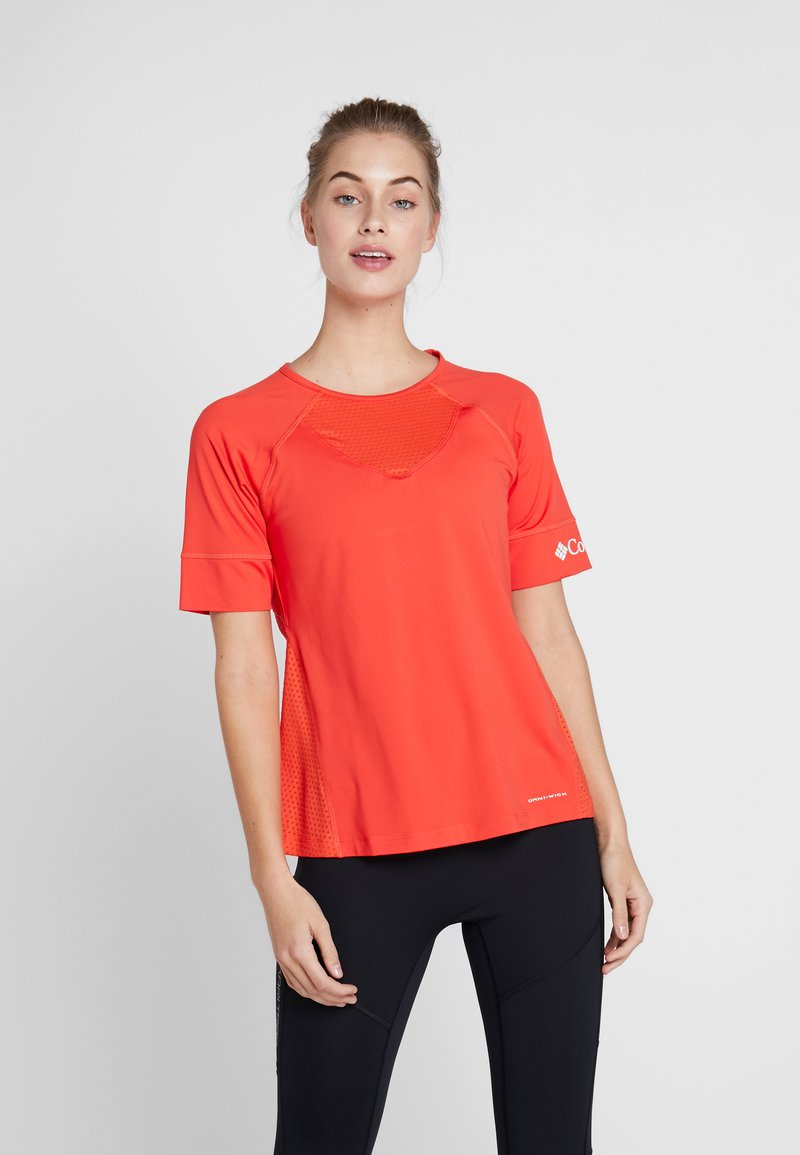 Columbia - WINDGATES TEE - Print T-shirt - bright poppy