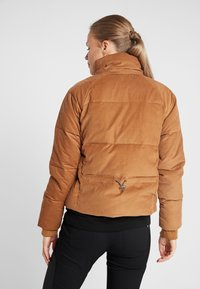 Columbia - RUBY FALLS JACKET - Daunenjacke - camel brown corduroy - 3