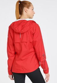 Columbia - ROGUE RUNNER  - Veste coupe-vent - red spark - 2