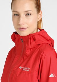 Columbia - ROGUE RUNNER  - Veste coupe-vent - red spark - 4