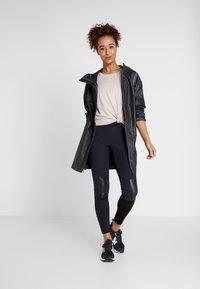 Columbia - OUTDRY EX™ MACKINTOSH JACKET - Hardshell jacket - black heather - 1