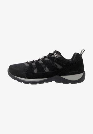 REDMOND V2 WP - Obuwie hikingowe - black/dark grey