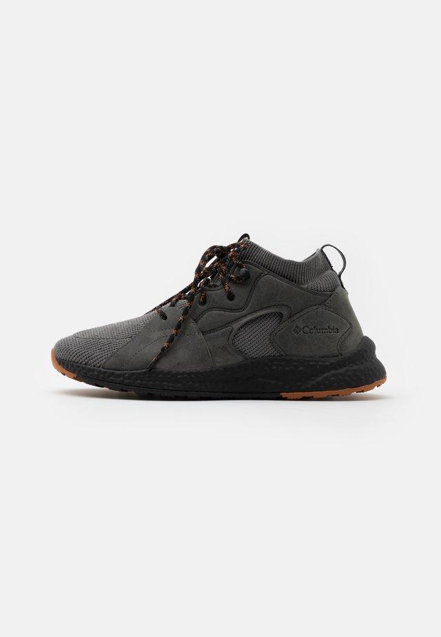 SH/FT™ OUTDRY™ MID - Chaussures de marche - titanium/caramel