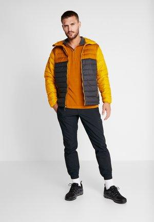 KLAMATH RANGE HALF ZIP - Fleece trui - burnished amber/shark