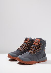 Columbia - FAIRBANKS OMNI-HEAT - Winter boots - dark grey - 2