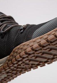 Columbia - FAIRBANKS 503 OMNI-HEAT - Vysoká chodecká obuv - black/mud - 5