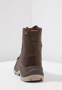 Columbia - CAMDEN OUTDRY CHUKKA - Zapatillas de senderismo - cordovan/grey - 3