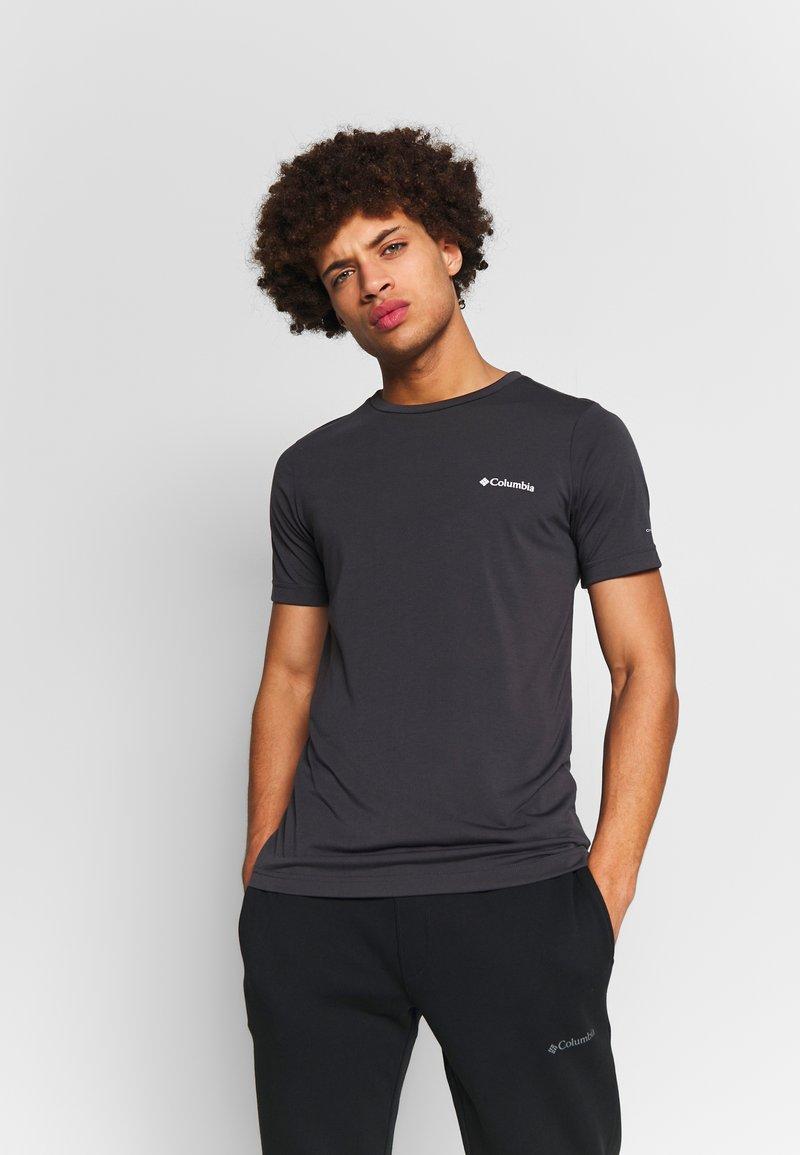 Columbia - MAXTRAIL™ LOGO TEE - T-shirt med print - shark