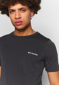 Columbia - MAXTRAIL™ LOGO TEE - T-shirt med print - shark - 4