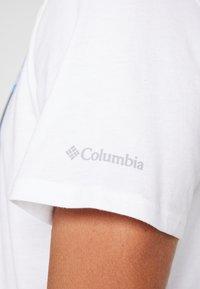 Columbia - ALPINE WAY™ GRAPHIC TEE - T-shirt print - white - 5