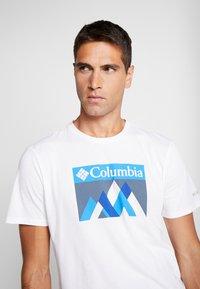 Columbia - ALPINE WAY™ GRAPHIC TEE - T-shirt print - white - 3