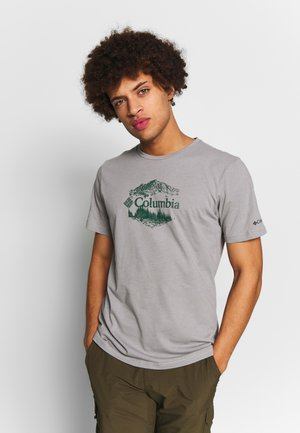 M HIGH DUNE™ GRAPHIC TEE - Triko s potiskem - columbia grey outsider
