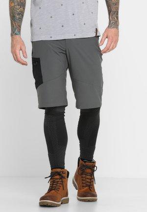TRIPLE CANYON SHORT - Friluftsshorts - dark grey