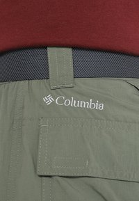 Columbia - SILVER RIDGE™ CONVERTIBLE PANT - Friluftsbyxor - cypress - 7