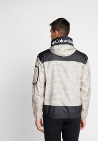 Columbia - CHALLENGER™  - Veste coupe-vent - fossil/shark - 2