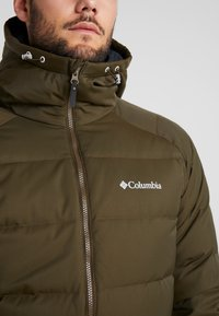 Columbia - MACLEAY LONG - Donsjas - olive green - 7