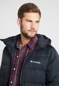 Columbia - MACLEAY LONG - Donsjas - black - 3