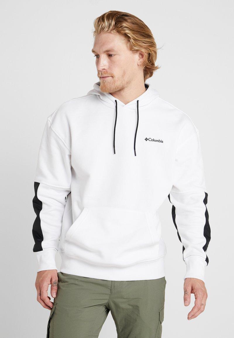 Columbia - FREMONT™ HOODIE - Kapuzenpullover - white/black