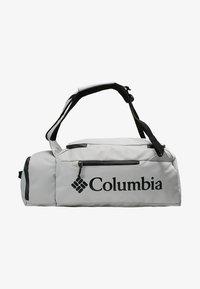 Columbia - STREET ELITE™ CONVERTIBLE DUFFEL PACK - Sportovní taška - cool grey - 6