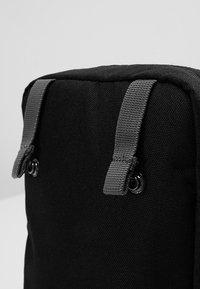 Columbia - URBAN UPLIFT™ SIDE BAG - Skulderveske - black - 5