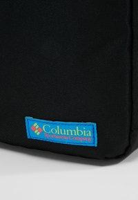 Columbia - URBAN UPLIFT™ SIDE BAG - Skulderveske - black - 8