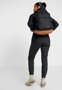 Columbia - NORTHERN PASS BACKPACK - Mochila - black - 6