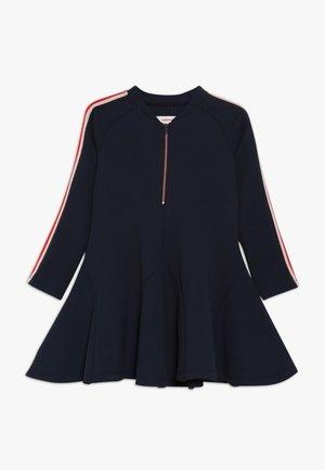 ROBE - Žerzejové šaty - minuit