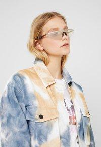 Courreges - Sluneční brýle - grey - 1